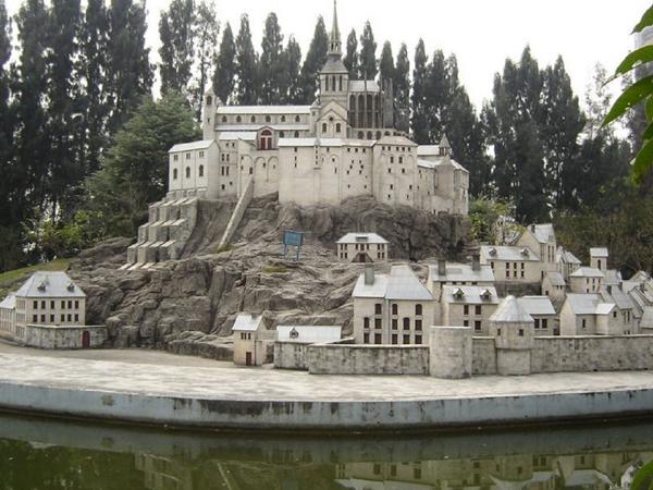 深圳:世界之窗展示世界著名教堂建筑