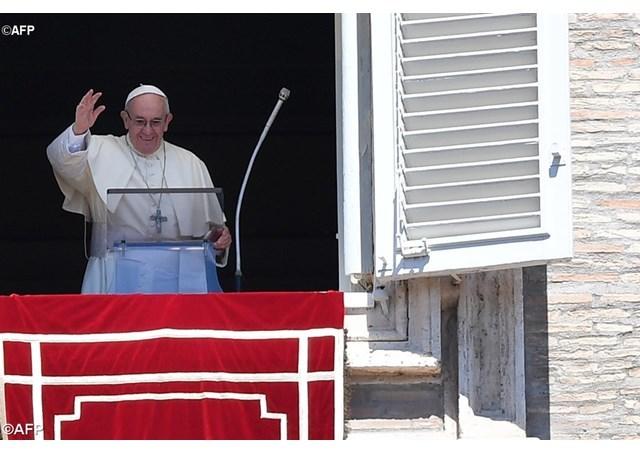 教宗三钟经:信德不叫我们逃避困难,却在人生旅途中提供支持