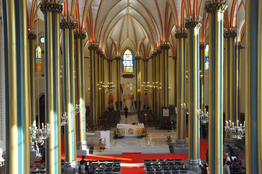 从唱经楼看修缮后的教堂