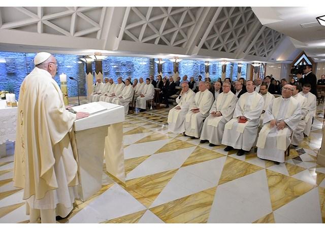 教宗清晨弥撒:福传不可坐而言,却要起而行