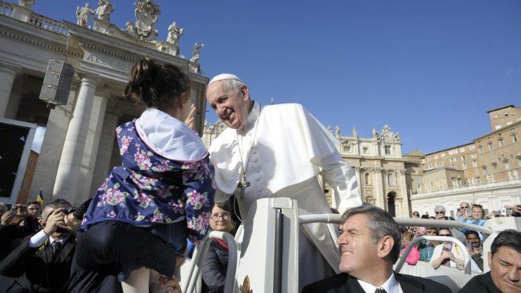 教宗公开接见:生命不是为了拥有,而是为了爱